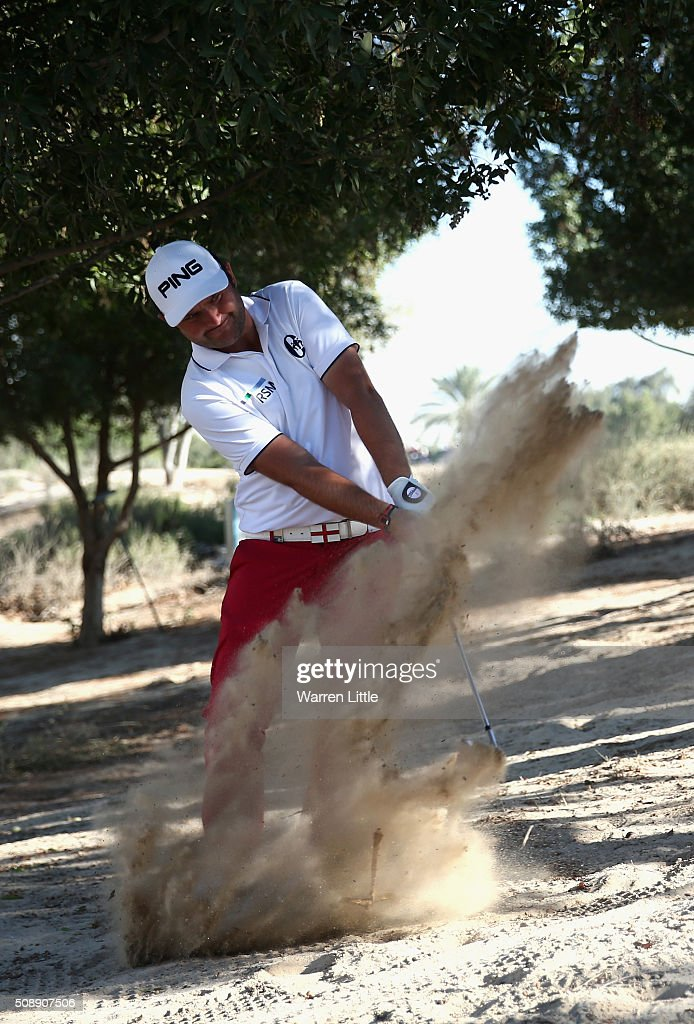 <a gi-track='captionPersonalityLinkClicked' href=/galleries/search?phrase=Andy+Sullivan+-+Golfer&family=editorial&specificpeople=13886721 ng-click='$event.stopPropagation()'>Andy Sullivan</a> of England plays out of the sand on the 16th hole during the final round of the Omega Dubai Desert Classic on the Majlis Course at the Emirates Golf Club on February 7, 2016 in Dubai, United Arab Emirates.