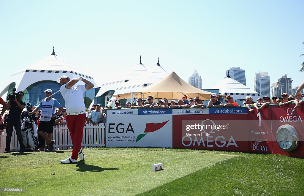 <a gi-track='captionPersonalityLinkClicked' href=/galleries/search?phrase=Andy+Sullivan+-+Golfer&family=editorial&specificpeople=13886721 ng-click='$event.stopPropagation()'>Andy Sullivan</a> of England tees off on the 1st hole during the final round of the Omega Dubai Desert Classic at the Emirates Golf Club on February 7, 2016 in Dubai, United Arab Emirates.