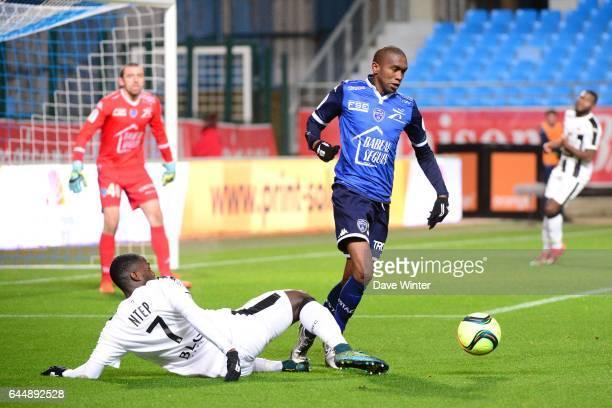 Anele Calvin NGCONGCA / Paul Georges NTEP Troyes / Rennes 21eme journee de Ligue 1 Photo Dave Winter / Icon Sport