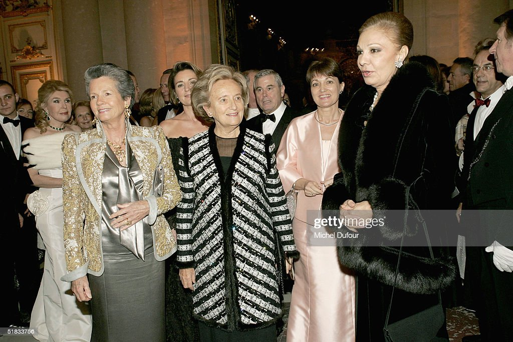 Anemone Giscard d'Esating, Bernadette Chirac, Madam Raffarin and Farah Pahlavi attend the Child Abuse Foundation Gala at Versailles on December 6, 2004 in Versailles, France.