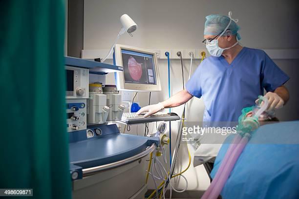 Anesthésiste dans un théâtre d'opération