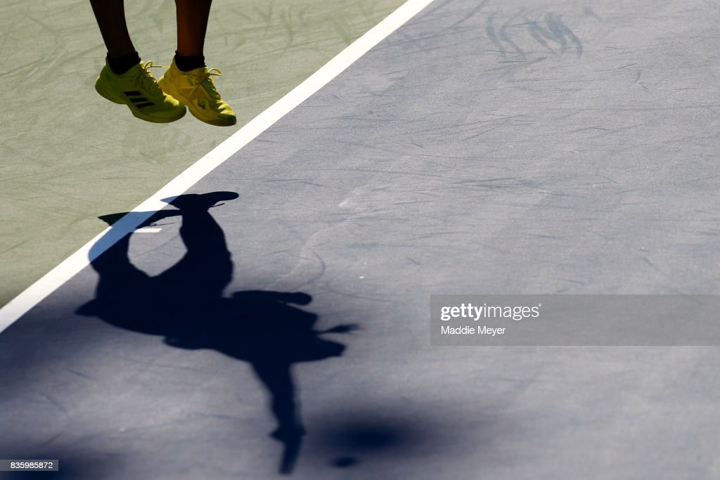 Anett Kontaveit of Estonia serves to Mirjana Lucic-Baroni of Croatia during Day 3 of the Connecticut Open at Connecticut Tennis Center at Yale on August 20, 2017 in New Haven, Connecticut.