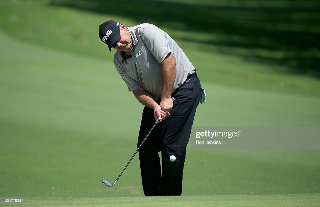 Angel Cabrera of Argentina chips onto the fifth green during the Second Round of the DEAN & DELUCA Invitational at Colonial Country Club on May 27, 2016 in Fort Worth, Texas.