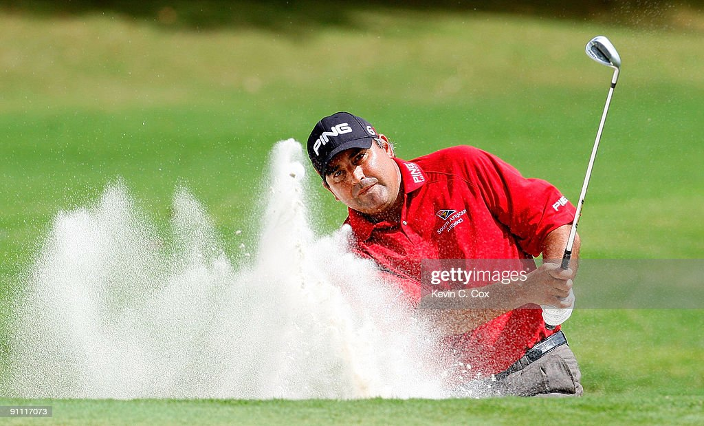 <a gi-track='captionPersonalityLinkClicked' href=/galleries/search?phrase=Angel+Cabrera&family=editorial&specificpeople=204515 ng-click='$event.stopPropagation()'>Angel Cabrera</a> of Argentina chips out of the sand on the third hole during the first round of THE TOUR Championship presented by Coca-Cola, the final event of the PGA TOUR Playoffs for the FedExCup, at East Lake Golf Club on September 24, 2009 in Atlanta, Georgia.