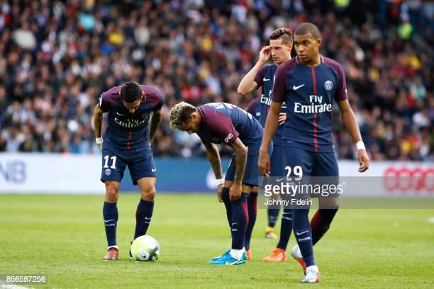 Angel di Maria Neymar Jr Julian Draxler and Kylian Mbappe of Paris Saint Germain during the Ligue 1 match between Paris Saint Germain and FC...