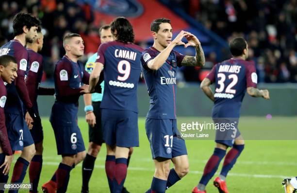 Angel Di Maria of Paris SaintGermain celebrate his goal with teammattes during the Ligue 1 match between Paris Saint Germain and Lille OSC at Parc...