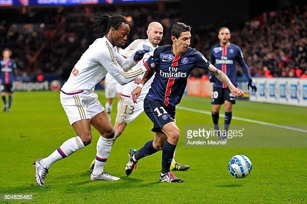 Angel Di Maria of Paris SaintGermain dribbles during the French League Cup game between Paris SaintGermain and Olympique Lyonnais at Parc des Princes...