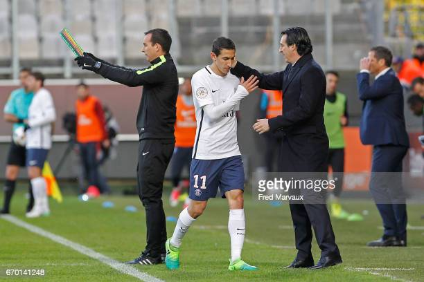 Angel Di Maria of PSG and PSG coach Unai Emery during the Ligue 1 match between Fc Metz and Paris SaintGermain at Stade SaintSymphorien on April 18...