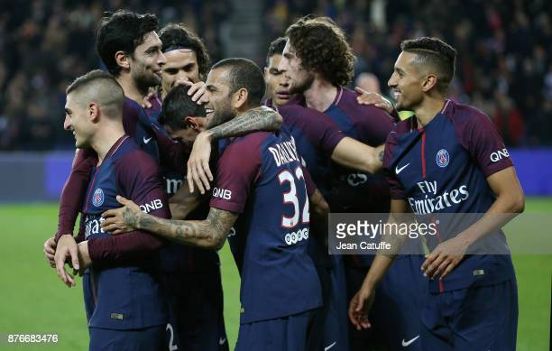 Angel Di Maria of PSG celebrates his goal with Marco Verratti Javier Pastore Dani Alves Adrien Rabiot Marquinhos during the French Ligue 1 match...