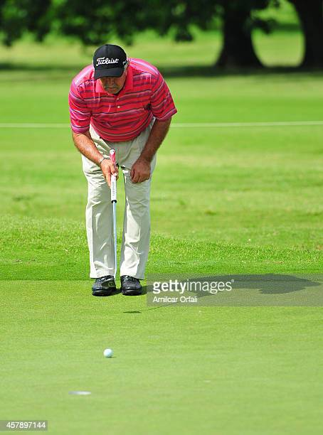 Angel Franco of Päraguay putts during the final round of the America's Golf Cup as part of PGA Latinoamerica tour at Olivos Golf Club on October 26...