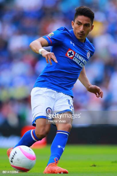 Angel Mena of Cruz Azul drives the ball during the 13th round match between Cruz Azul and America as part of the Torneo Apertura 2017 Liga MX at Azul...
