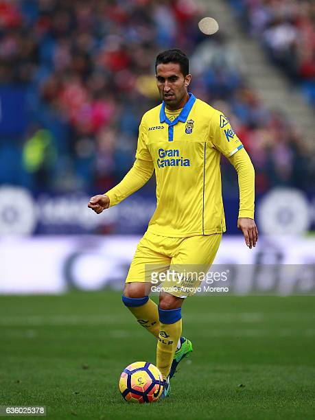 Angel Montoro of UD Las Palmas controls the ball during the La Liga match between Club Atletico de Madrid and UD Las Palmas at Vicente Calderon...