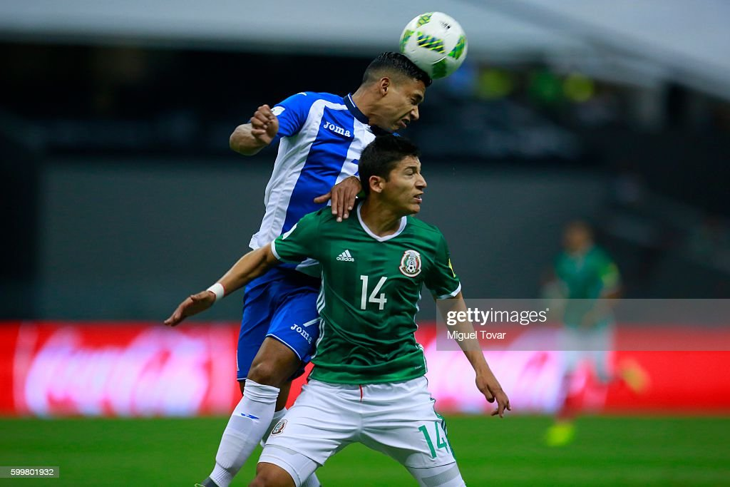 Angel Zaldivar of Mexico fights for the ball with Emilio Aguirre of Honduras during a match between Mexico and Honduras as part of FIFA 2018 World Cup Qualifiers at Azteca Stadium on September 06, 2016 in Mexico City, Mexico.