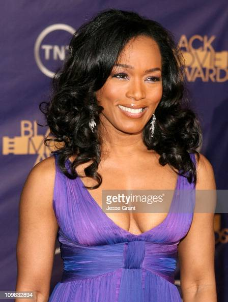 Angela Bassett 12556_JG_0726jpg during 2006 TNT Black Movie Awards Arrivals at Wiltern Theatre in Los Angelses California United States
