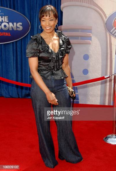 Angela Bassett during 'Meet The Robinsons' Los Angeles Premiere Arrivals at El Capitan Theater in Hollywood California United States