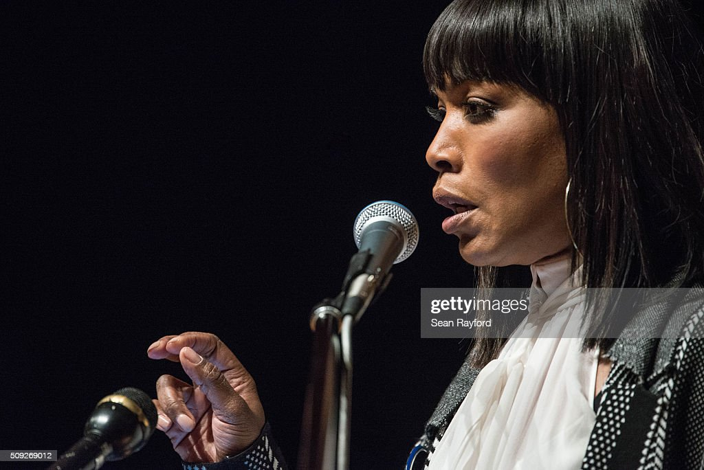 Angela Bassett talks to students at South Carolina State University while campaigning for Democratic presidential candidate Hillary Clinton Tuesday, Feb. 9, 2016 in Orangeburg, South Carolina.