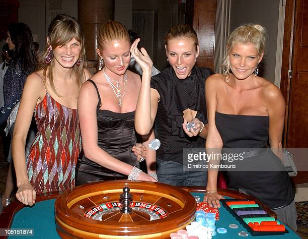 Angela Lindvall Maggie Rizer Bridget Hall and May Andersen