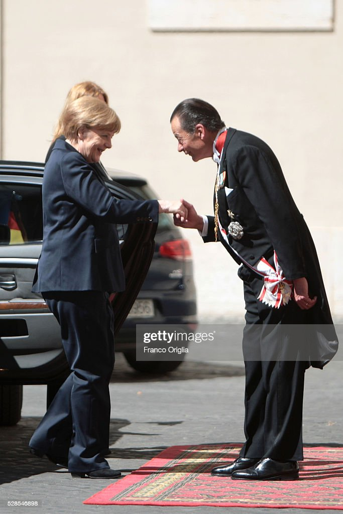 Angela Merkel arrives at the Apostolic Palace to meet Pope Francis on May 6, 2016 in Vatican City, Vatican. Today the Pontiff will be awarded with the International Charlemagne Prize of Aachen.