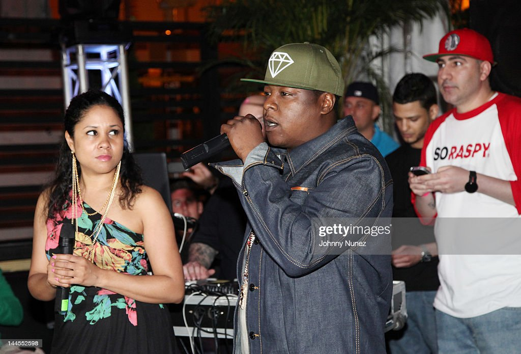 <a gi-track='captionPersonalityLinkClicked' href=/galleries/search?phrase=Angela+Yee&family=editorial&specificpeople=4443054 ng-click='$event.stopPropagation()'>Angela Yee</a>, <a gi-track='captionPersonalityLinkClicked' href=/galleries/search?phrase=Jadakiss&family=editorial&specificpeople=224058 ng-click='$event.stopPropagation()'>Jadakiss</a>, and DJ Killa Touch attend Hudson Cafe on May 15, 2012 in New York City.