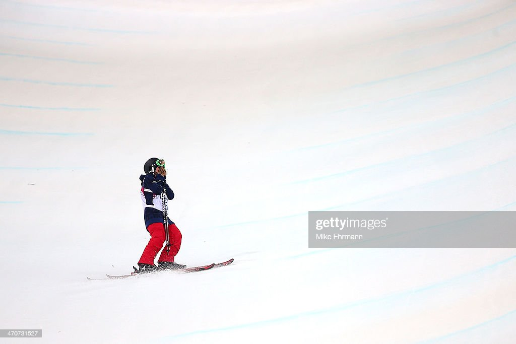 <a gi-track='captionPersonalityLinkClicked' href=/galleries/search?phrase=Angeli+Vanlaanen&family=editorial&specificpeople=5691215 ng-click='$event.stopPropagation()'>Angeli Vanlaanen</a> of the United States reacts after crashing in the Freestyle Skiing Ladies' Ski Halfpipe Finals on day thirteen of the 2014 Winter Olympics at Rosa Khutor Extreme Park on February 20, 2014 in Sochi, Russia.