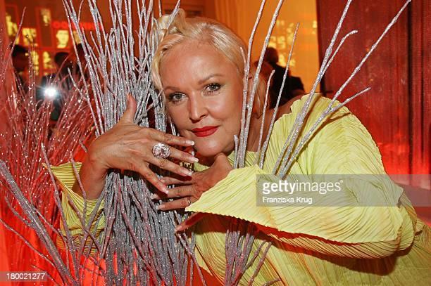 Angelika Milster Bei Der Bertelsmann Party Unter Den Linden Am 280906 In Berlin