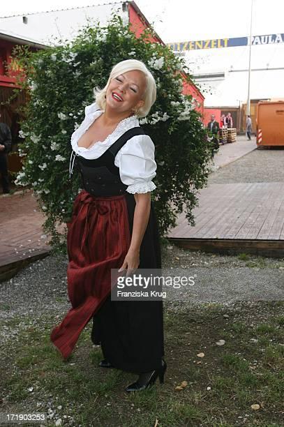 Angelika Milster Bei Der 'Davidoff Nacht' Im Hippodrom Beim Oktoberfest In München