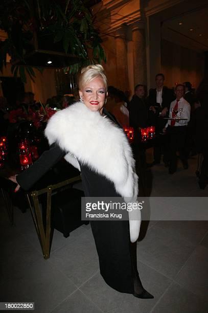 Angelika Milster Bei Der Eröffnung Des Hotel De Rome In Berlin