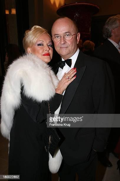 Angelika Milster Und Ehemann Andre Bauer Bei Der Eröffnung Des Hotel De Rome In Berlin