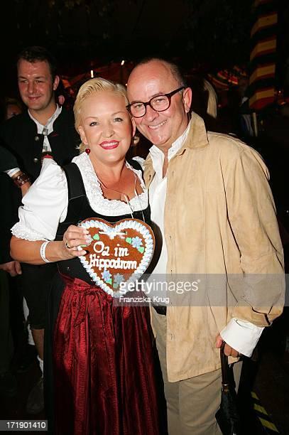 Angelika Milster Und Ehemann Andre Bauer Bei Der O2 Party Im Hippodrom Von Sepp Krätz Und Brigitt Baumgartl Wolff Beim Münchner Oktoberfest Am 170905