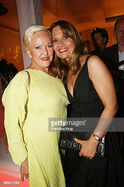 Angelika Milster Und Jenny Jürgens Bei Der Bertelsmann Party Unter Den Linden Am 280906 In Berlin