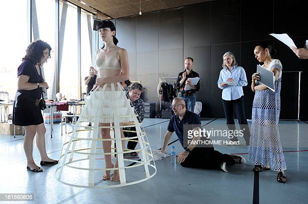 Angelin Preljocaj And JeanPaul Gaultier Together For The Ballet Snow White Angelin PRELJOCAJ meeting that sets the stage in Lyon ballet 'Snow White'...