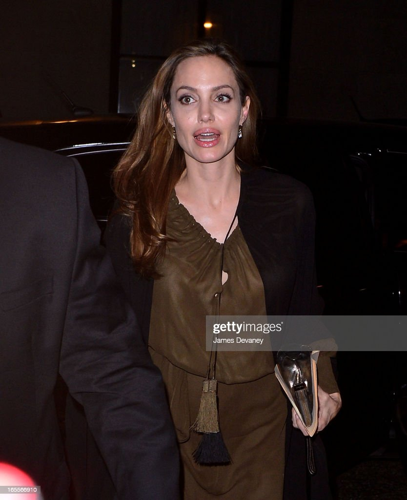 <a gi-track='captionPersonalityLinkClicked' href=/galleries/search?phrase=Angelina+Jolie&family=editorial&specificpeople=201591 ng-click='$event.stopPropagation()'>Angelina Jolie</a> seen on the streets of Manhattan on April 4, 2013 in New York City.