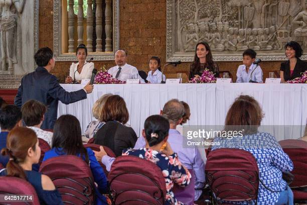 Angelina Jolie Sveng Socheata Cambodian Producer Rithy Panh Sareum Srey Moch Mun Kimhak and Loung Ung hold a press conference ahead of the premiere...