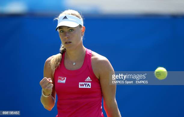 Angelique Kerber celebrates during her victory over Ekaterina Makarova