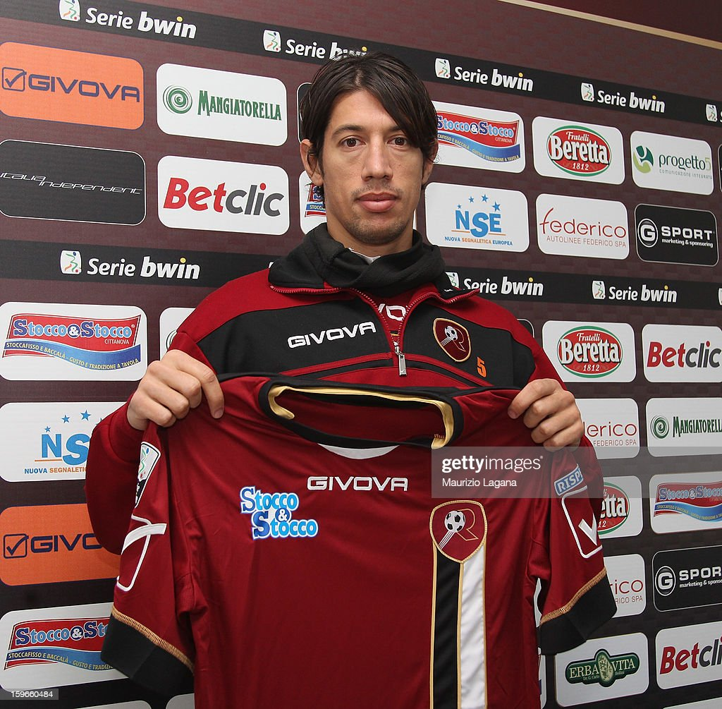 Angelo Antonazzo poses with his new team shirt before Reggina Calcio Training Session at Sports Center Sant'Agata on January 18 2013 in Reggio...