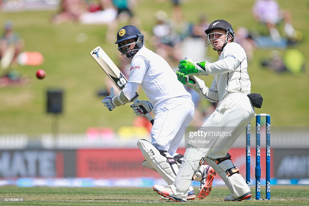 <a gi-track='captionPersonalityLinkClicked' href=/galleries/search?phrase=Angelo+Mathews&family=editorial&specificpeople=5622021 ng-click='$event.stopPropagation()'>Angelo Mathews</a> of Sri Lanka bats during day one of the Second Test match between New Zealand and Sri Lanka at Seddon Park on December 18, 2015 in Hamilton, New Zealand.