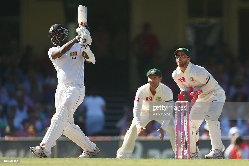 Angelo Mathews of Sri Lanka bats during day three of the Third Test match between Australia and Sri Lanka at Sydney Cricket Ground on January 5, 2013 in Sydney, Australia.