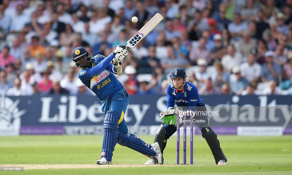 <a gi-track='captionPersonalityLinkClicked' href=/galleries/search?phrase=Angelo+Mathews&family=editorial&specificpeople=5622021 ng-click='$event.stopPropagation()'>Angelo Mathews</a> of Sri Lanka bats during the 1st ODI Royal London One Day match between England and Sri Lanka at Trent Bridge on June 21, 2016 in Nottingham, England.