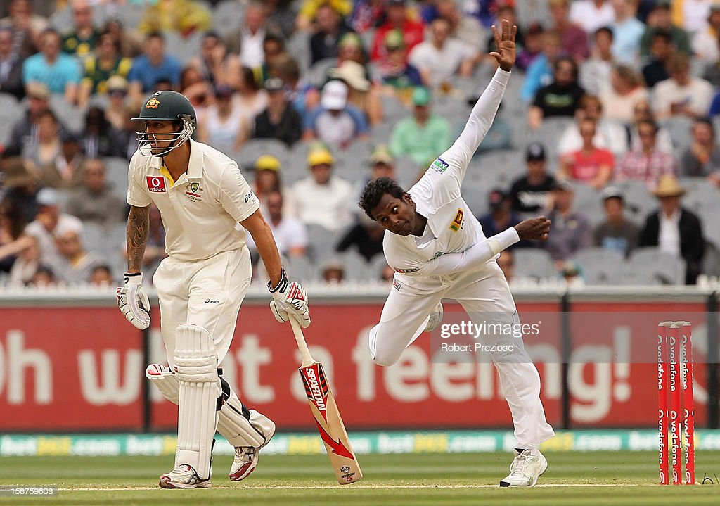 Angelo Mathews of Sri Lanka bowls during day three of the Second Test match between Australia and Sri Lanka at Melbourne Cricket Ground on December 28, 2012 in Melbourne, Australia.