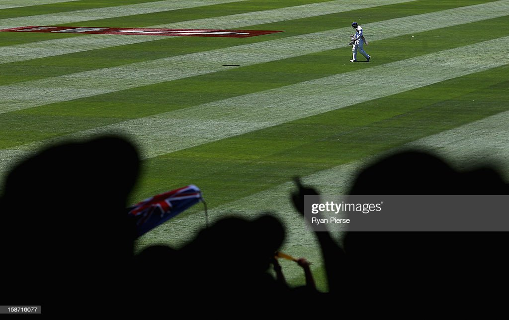 Angelo Mathews of Sri Lanka leaves the ground after being dismissed by Peter Siddle of Australia during day one of the Second Test match between Australia and Sri Lanka at the Melbourne Cricket Ground on December 26, 2012 in Melbourne, Australia.