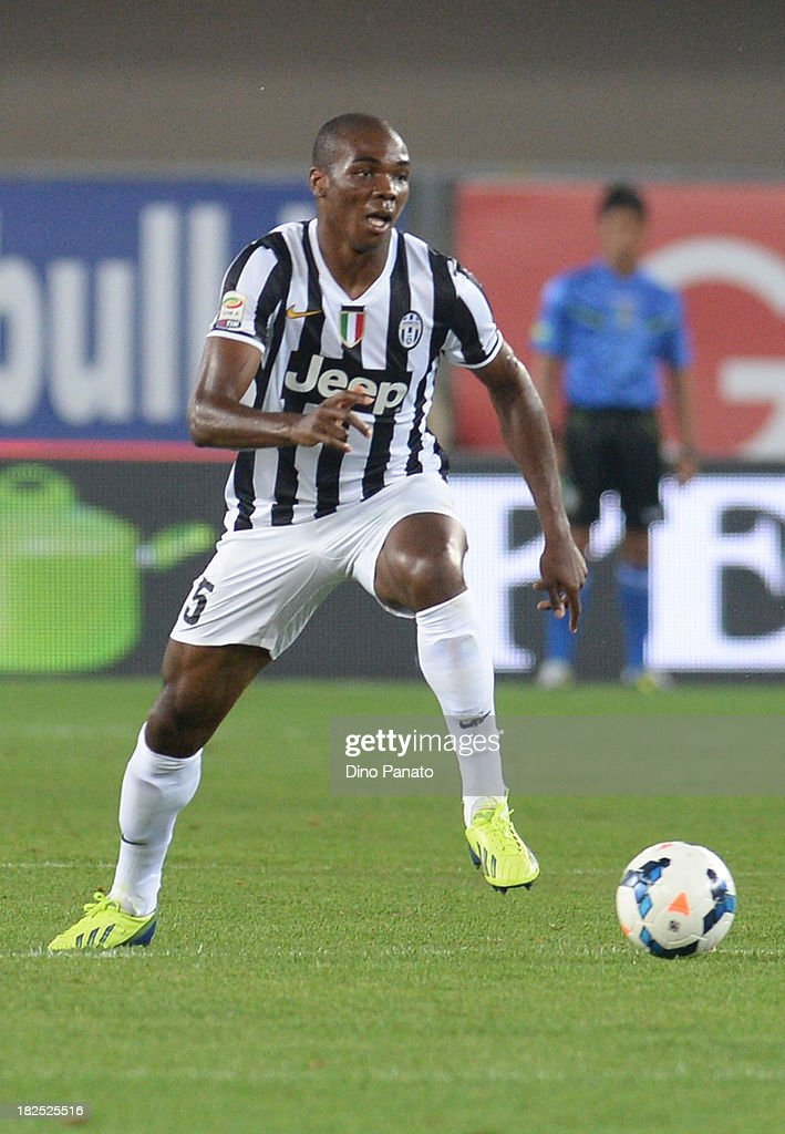 <a gi-track='captionPersonalityLinkClicked' href=/galleries/search?phrase=Angelo+Ogbonna&family=editorial&specificpeople=4285623 ng-click='$event.stopPropagation()'>Angelo Ogbonna</a> of Juventus in action during the Serie A match between AC Chievo Verona and Juventus at Stadio Marc'Antonio Bentegodi on September 25, 2013 in Verona, Italy.