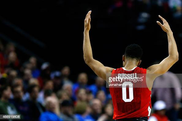 Angelo Russell of the Ohio State Buckeyes acknowledges the crowd against the Virginia Commonwealth Rams in the second half during the second round of...