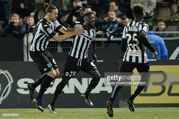 FBL-FRA-LIGUE1-ANGERS-METZ : News Photo