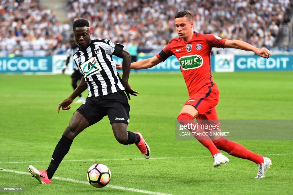 FBL-FRA-CUP-PSG-ANGERS : News Photo
