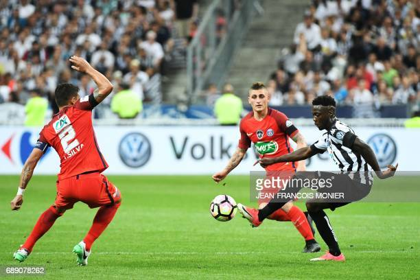 Angers' French forward Nicolas Pepe vies for the ball with Paris SaintGermain's Italian midfielder Marco Verratti during the French Cup final...