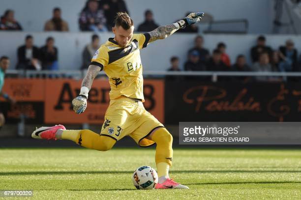 Angers' French goalkeeper Alexandre Letellier kicks the ball during the French L1 football match between Lorient and Angers on May 6 2017 at the...