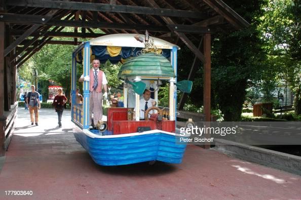Angestellte Parkbesucher 'Europa Park' 30jähriges Jubiläum Rust bei Freiburg BadenWürttemberg Deutschland Europa JubiläumsFeier Clown Boot...