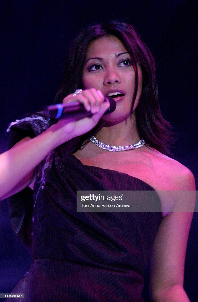 Bal de L'EtT 2002 - Anggun Performing