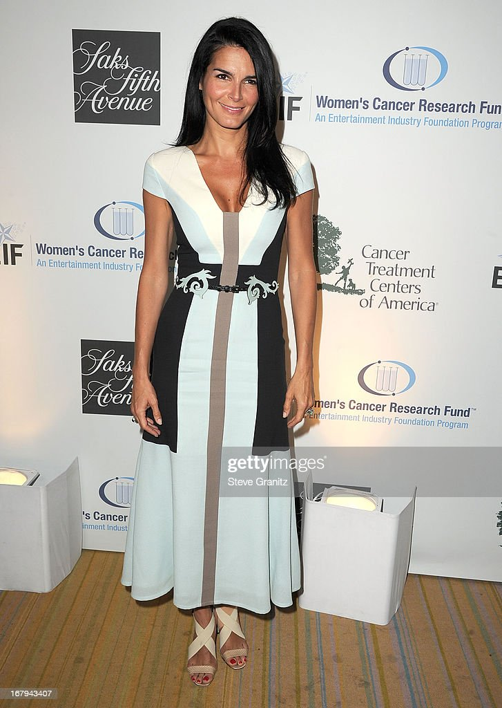 Angie Harmon arrives at the An Unforgettable Evening Benefiting EIF's Women's Cancer Research Fund at Regent Beverly Wilshire Hotel on May 2, 2013 in Beverly Hills, California.