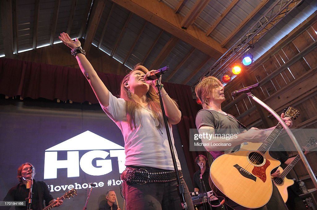Angie Johnson and John Rzeznik of the Goo Goo Dolls perform at HGTV'S The Lodge At CMA Music Fest - Day 3 on June 8, 2013 in Nashville, Tennessee.